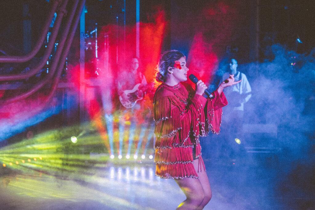 'Ascenda', obra musical e teatral tecnológica de Pilar começa a ser distribuída nesta 6ª-feira